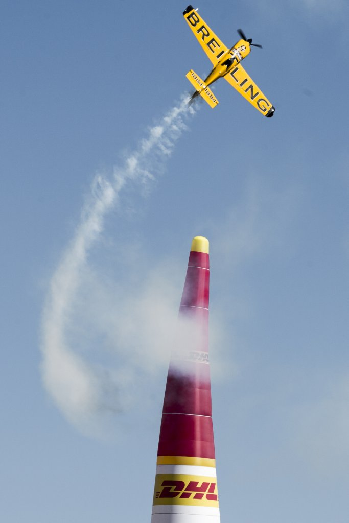 Lamb holds slim lead going into Red Bull Air Race season showdown