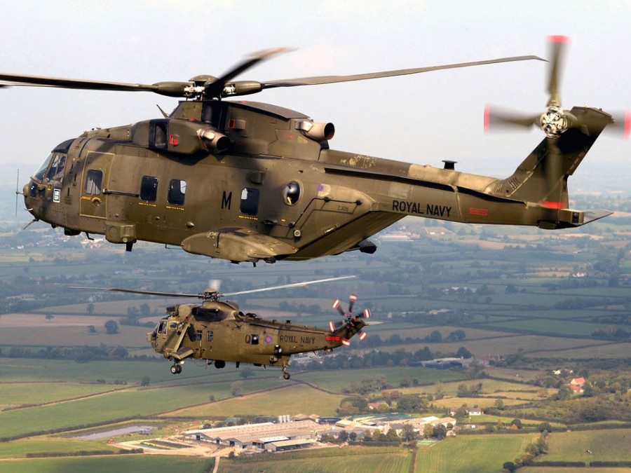 Merlin Mk3 & Sea King Mk4 (Credit - RN Media)