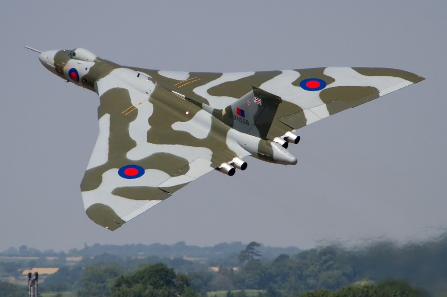 Vulcan XH588 - Paul Johnson