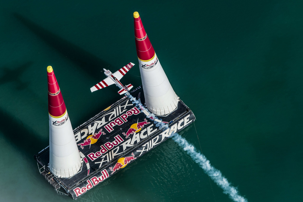 RED BULL AIR RACE: Bonhomme triumphs in Abu Dhabi, Lamb ends up 5th again