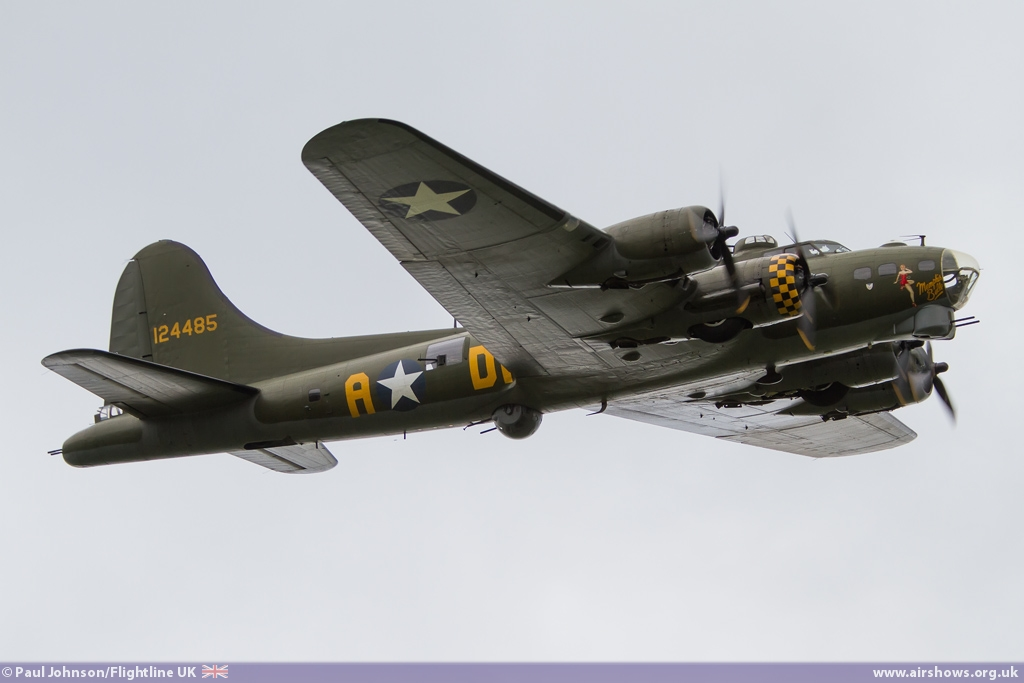 AIRSHOW NEWS: B-17 Flying Fortress Sally B leads a poignant Victory salute at  IWM Duxford's VE Day Anniversary Air Show