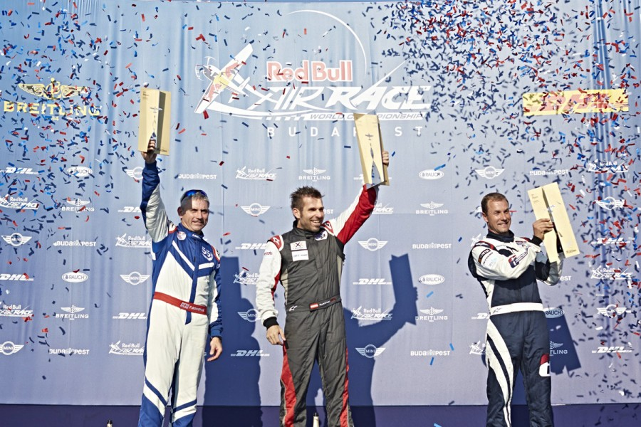 Arch grabs second straight win with thrilling victory in Budapest  © 2015 Red Bull Media House GmbH