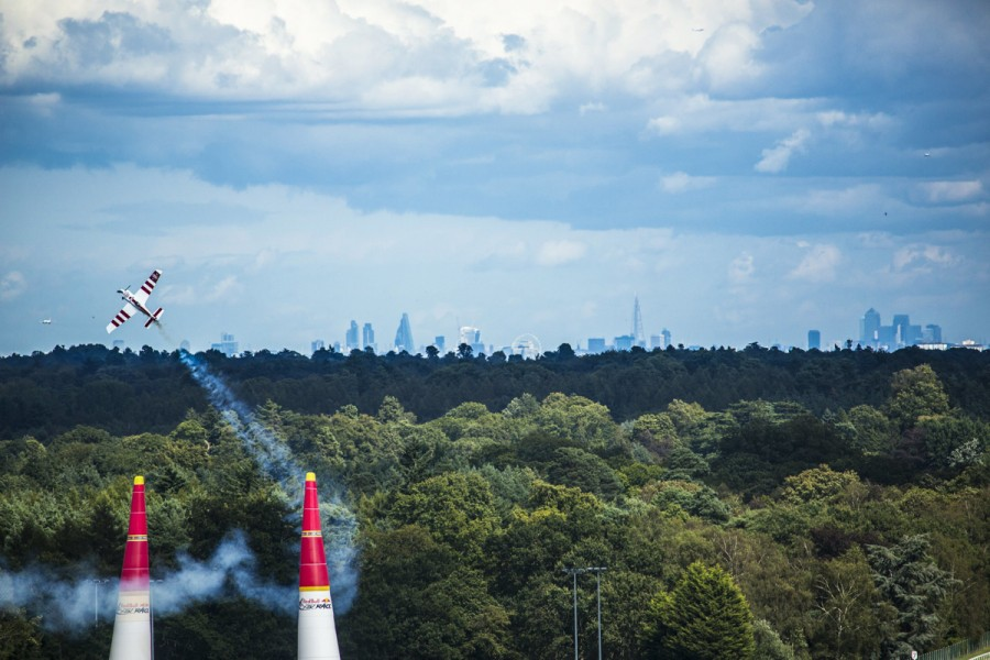 British pilot Bonhomme clings to the lead as  Red Bull Air Race lands in Ascot