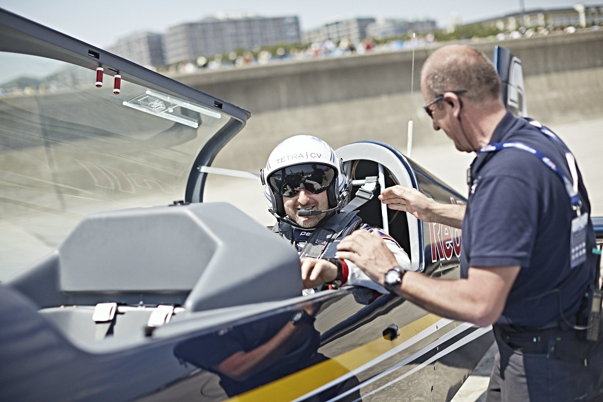 RED BULL AIR RACE: Red Bull Air Race Adds Pilots from Czech Republic and Slovenia for 2016 Season