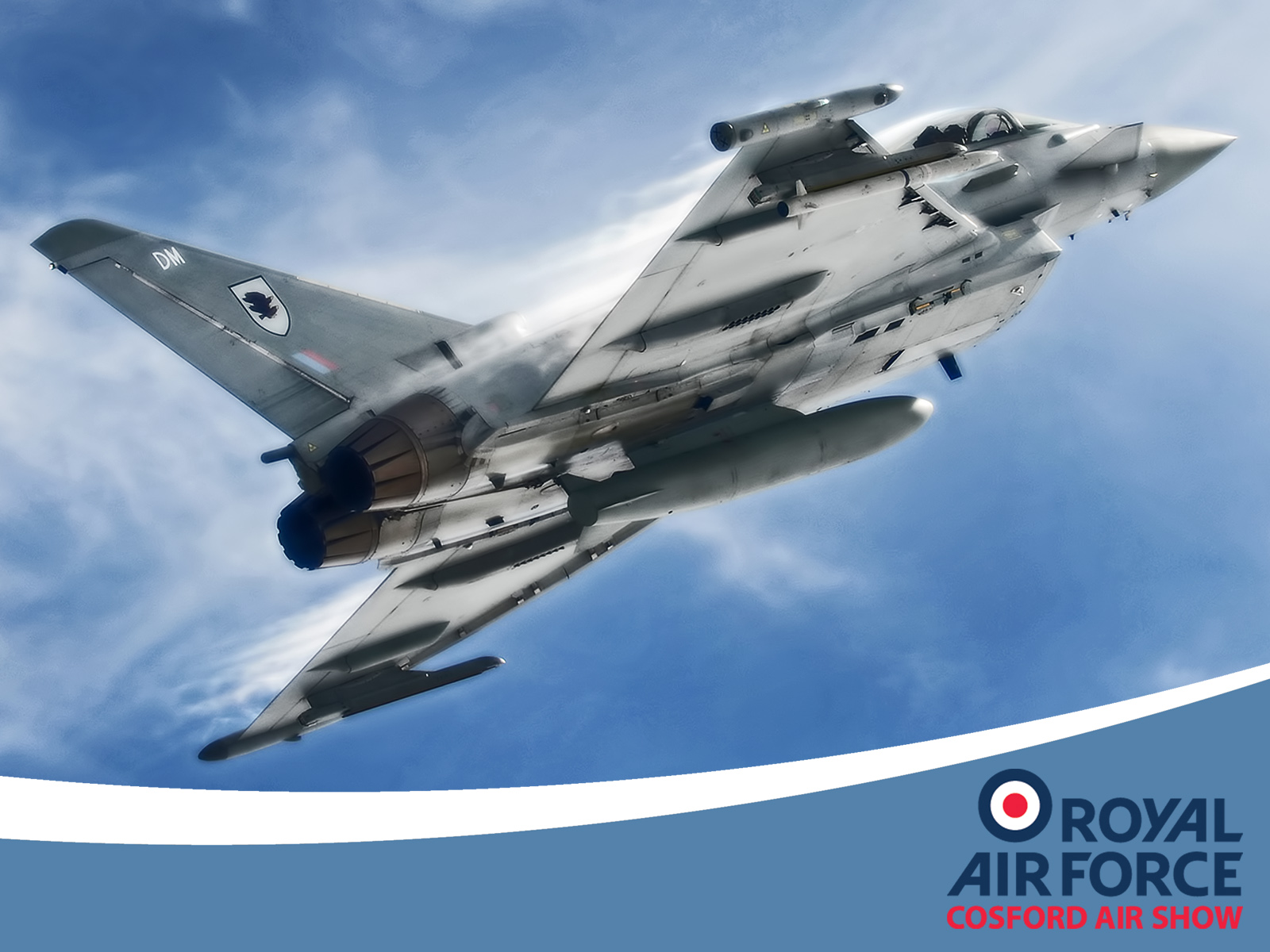 AIRSHOW NEWS: Red Arrows to headline flying display at RAF Cosford