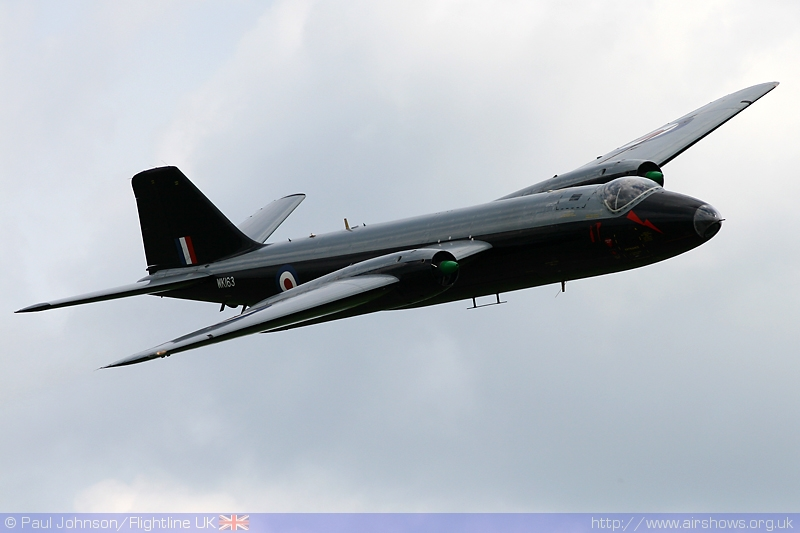 AIRSHOW NEWS: Canberra B2/6 WK163 to be restored to flight by Vulcan to the Sky
